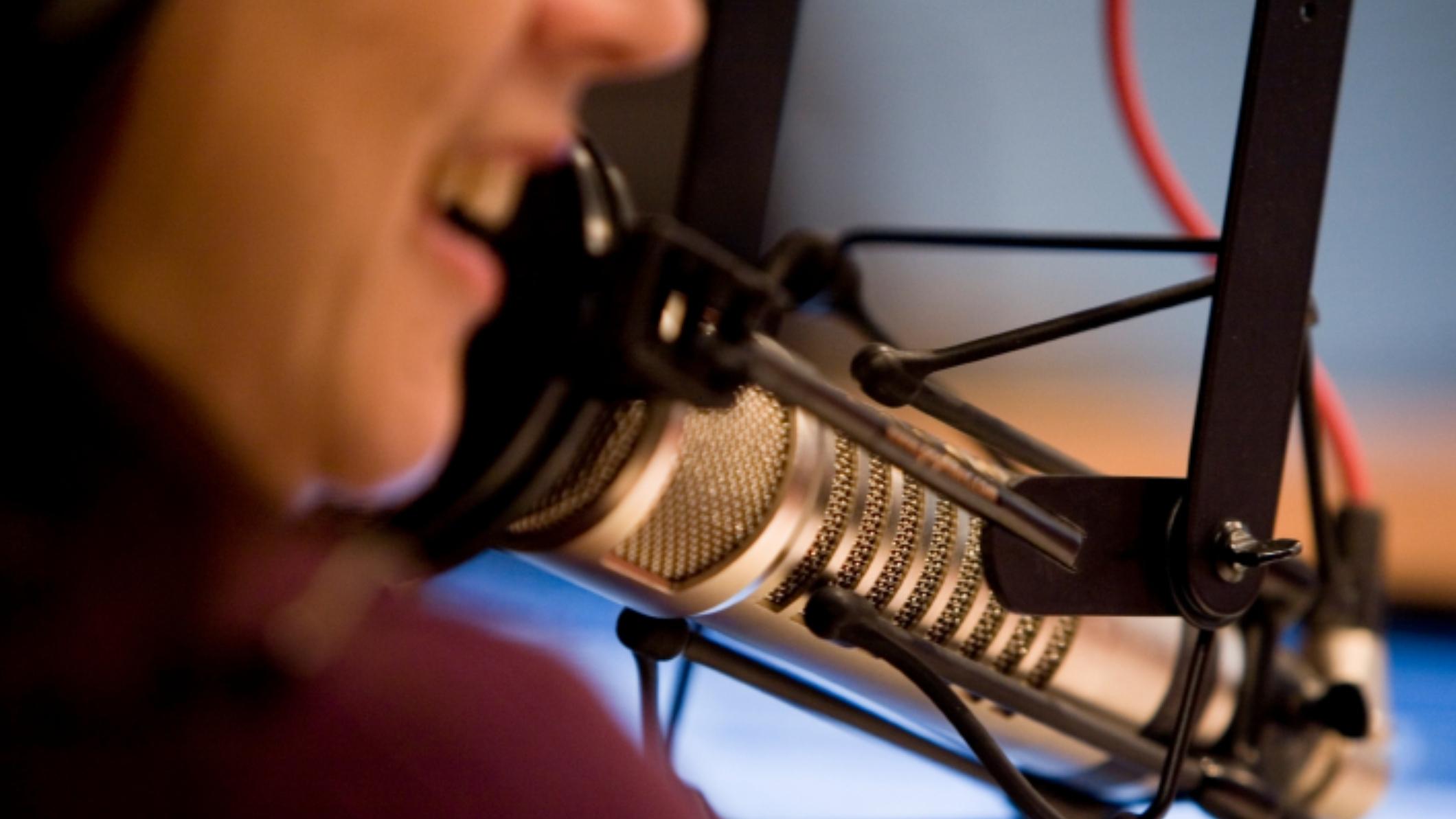 iStock_studio-mic